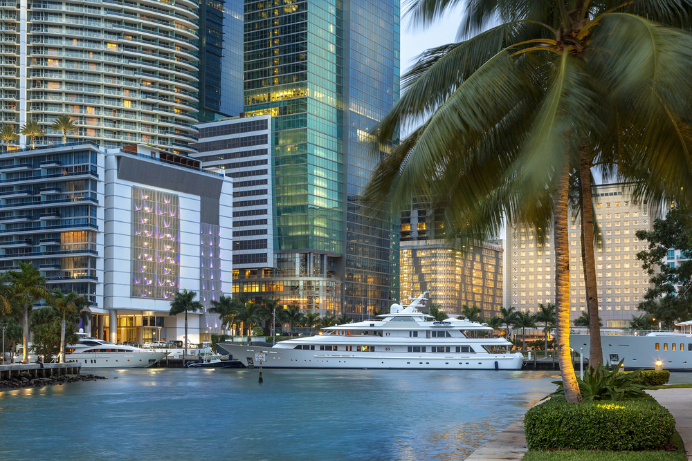 tips on chartering yacht miami 1