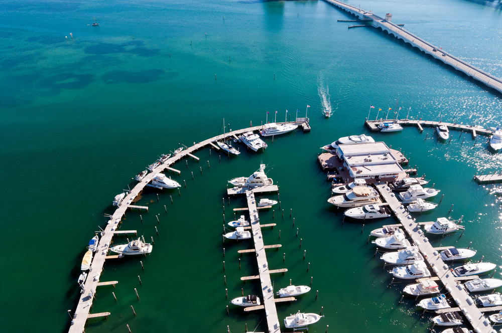 tips on chartering yacht miami 3